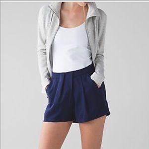 Lululemon &go keepsake pleated shorts